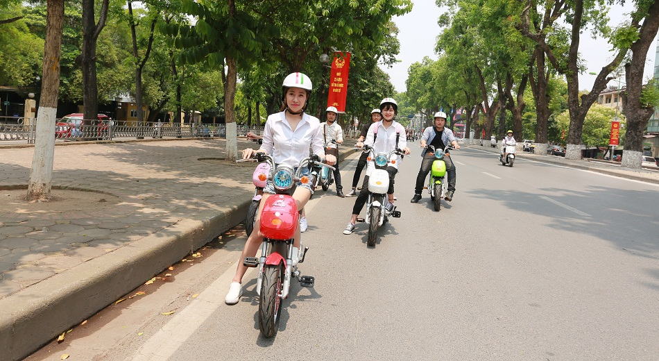So sánh độ tiết kiệm của xe đạp điện với xe máy